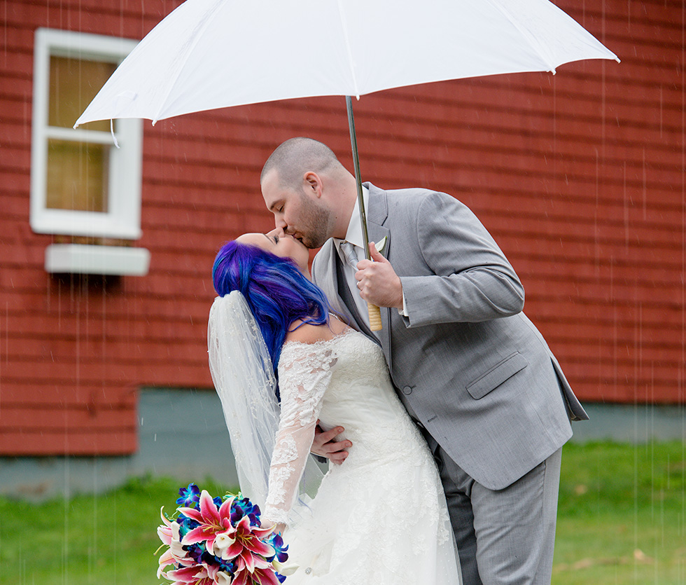 rainy-wedding-couple