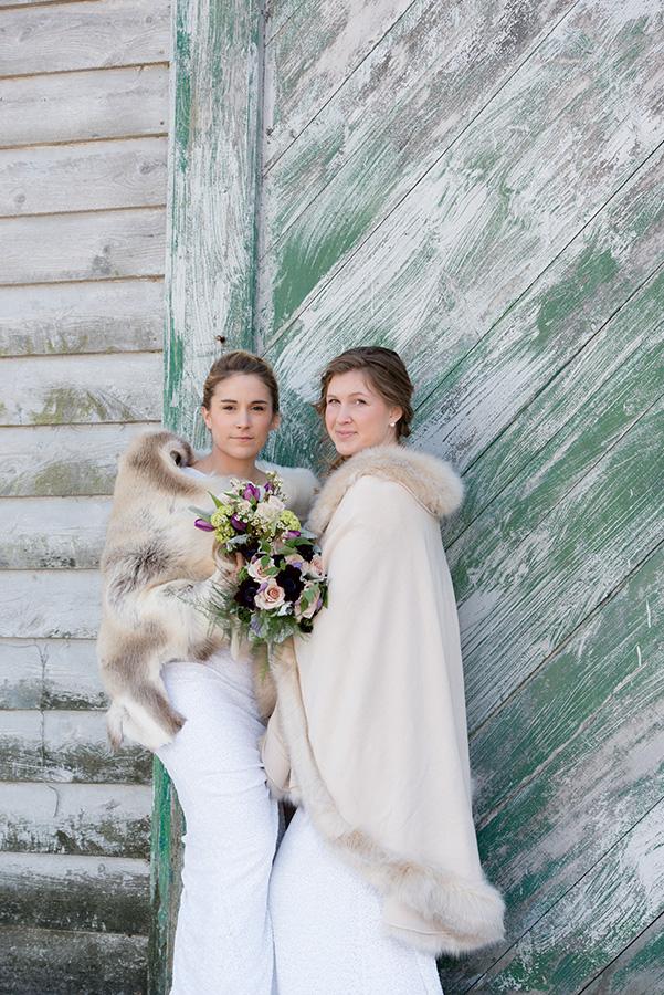 Lgbt Wedding Photography: Lesbian-wedding-photographer