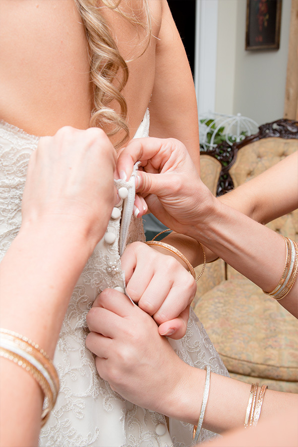 wedding dress pinning