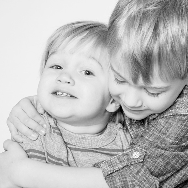 sibling portraits